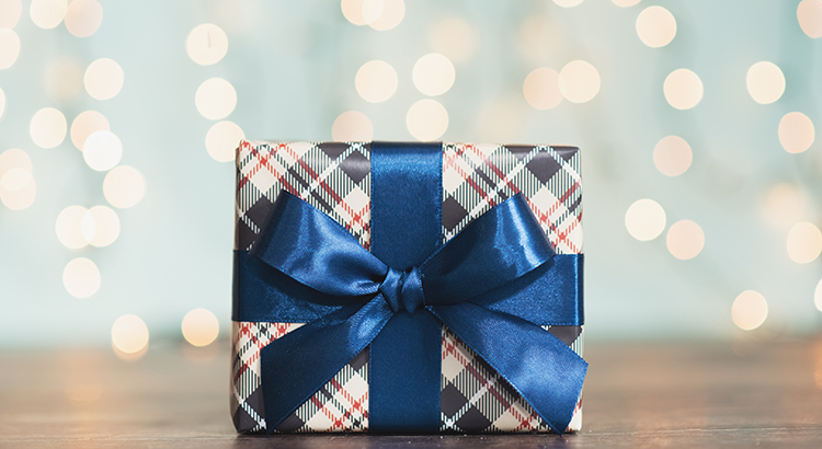 7 Reasons to List Your House This Holiday Season | MyKCM